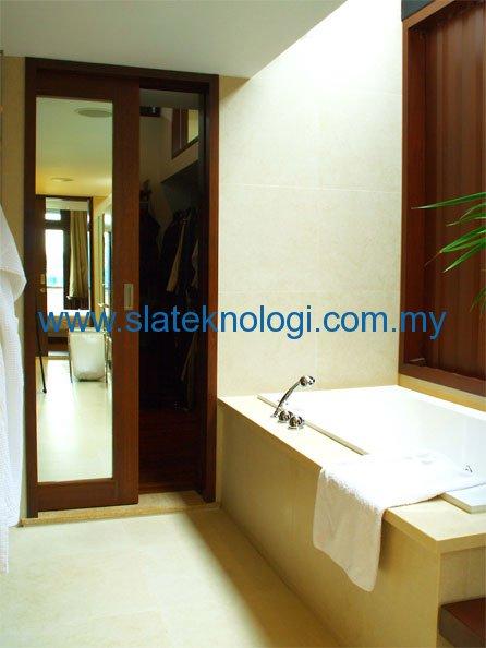 Toilet---Mirror-Door