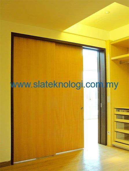 Walk-In-Closet---2-doors